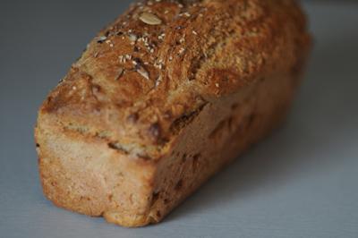 Pan de espelta semi integral con semillas